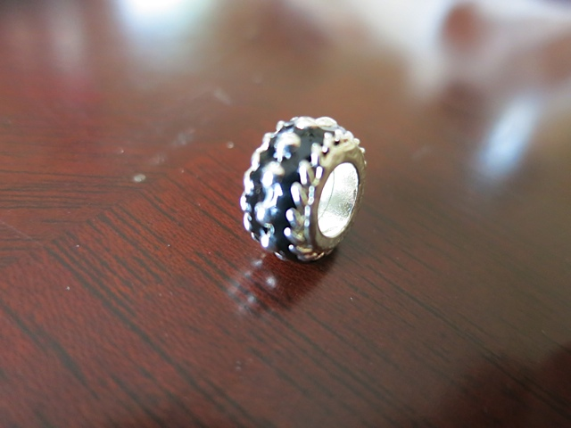 Round Silver Colored/Black Bead