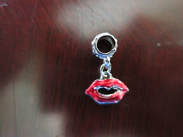 Lips Dangle Charm